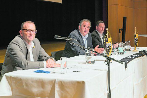 Geschäftsführer Wirtschaft Christoph Längle, Präsident Peter Pfanner und Obmann Harald Oberdorfer (v.l.) bei der gestrigen Generalversammlung.stiplovsek