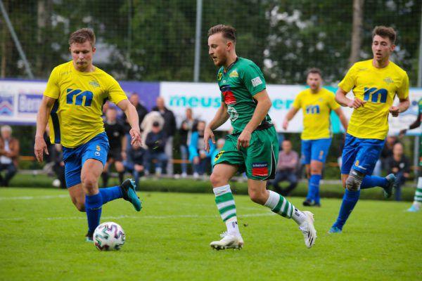 Im ersten direkten Duell setzte sich der FC Lauterach mit 1:0 gegen Wolfurt durch.hartinger