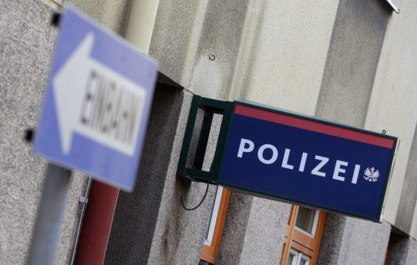 Auch in den Polizeiinspektionen selbst wird getestet.APA