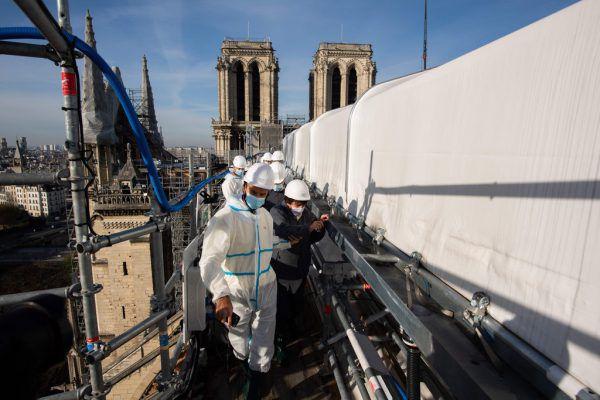 Bauarbeiten an der gotischen Kathedrale. APA/AFP