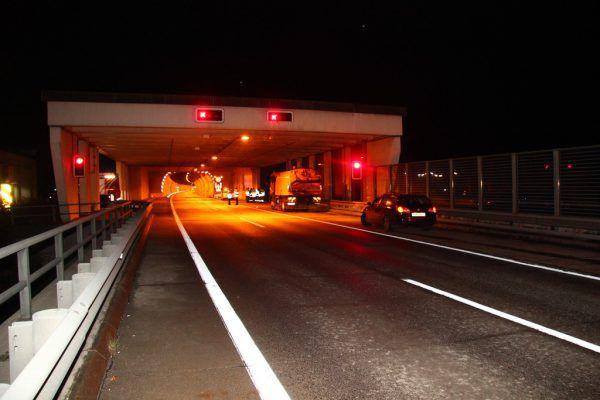 Der Tunnel war nach dem Unfall gesperrt. Symbolbild
