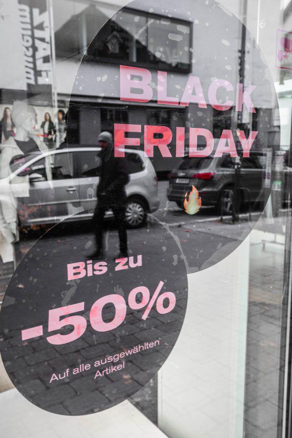 Die Geschäfte sind geschlossen, der Online-Handel boomt.Hartinger, Paulitsch