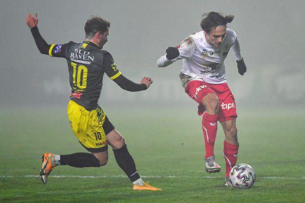 Im letzten Auftritt vor der Länderspielpause unterlag der FC Dornbirn (im Bild rechts Lukas Fridrikas) Lafnitz mit 0:3. Gegen den Tabellennachbarn aus Oberösterreich ist ein engeres Duell zu erwarten.gepa/lerh