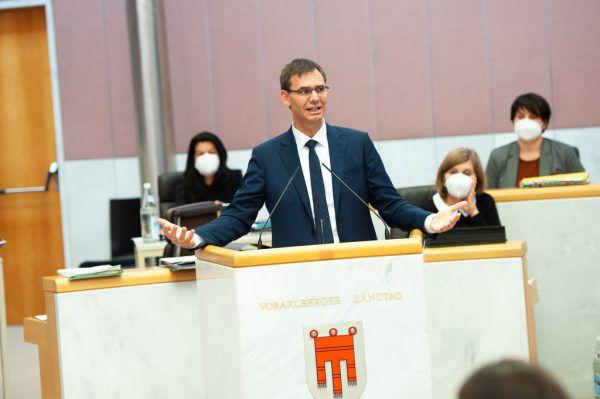 Landeshauptmann Wallner wird kritisiert.Serra