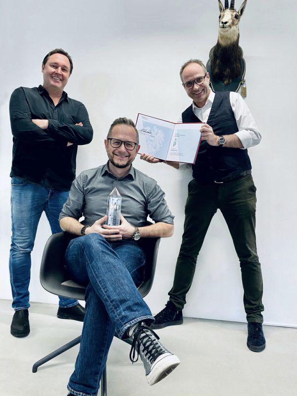Marketing- und Vertriebsleiter Philipp Wüstner mit GF Thomas Gschossmann und Jörg Ströhle.ZurGams