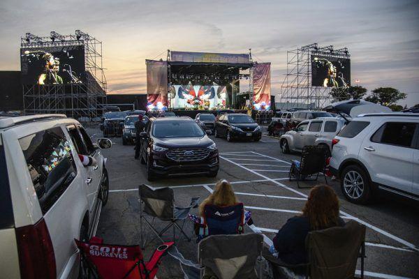 Nicht nur Filme wurden in den Autokinos gezeigt. Es gab auch Konzerte, Hochzeiten oder sogar Wahlkampfveranstaltungen.AP (3)