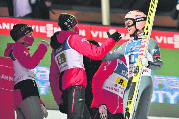 Noch am Wochenende konnte das österreichische Sprunglauf-Team in Wisla einen Weltcupsieg bejubeln. GEPA