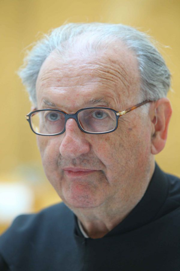Pater Nathanael in einem Interview (2009).Hofmeister