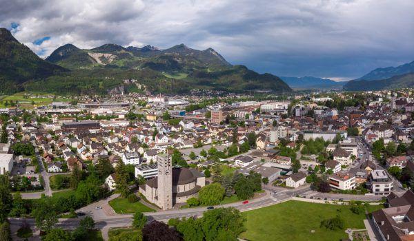 Vorarlbergs Gemeinden und Städte (im Bild: Bludenz) haben aufgrund der Corona-Krise weniger Einnahmen.Hartinger, VLK