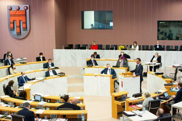Auch im Landtag stand heuer großteils die Corona-Pandemie im Fokus.Serra, ÖVP, NEUE (4)