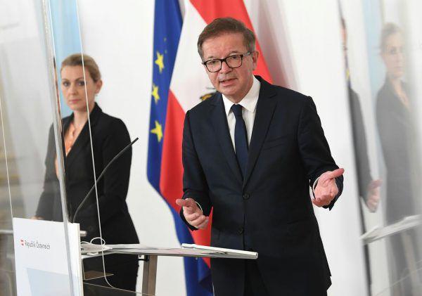 Die Minister Christine Aschbacher und Rudolf Anschober.apa
