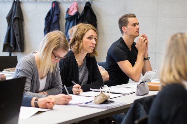 Studierende bewerteten die Bedingungen an der FH Vorarlberg.Symbolbild FH