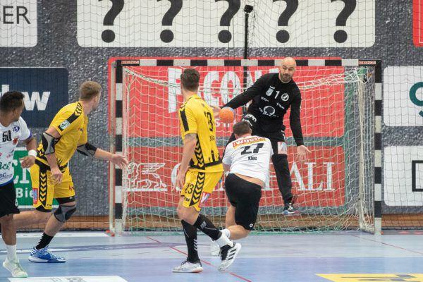 Goran Aleksic (in schwarz) agierte zuletzt in bestechender Form. sams