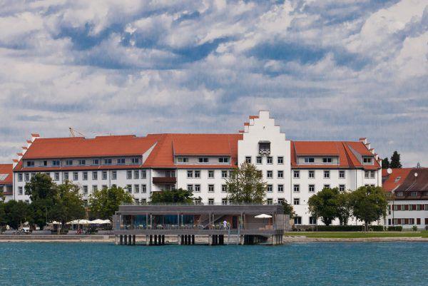 Man wolle die gegenwärtige Krise zusammen mit dem Hotelbetreiber bewältigen, heißt es vonseiten der Eigentümer des Seehotels. Steurer