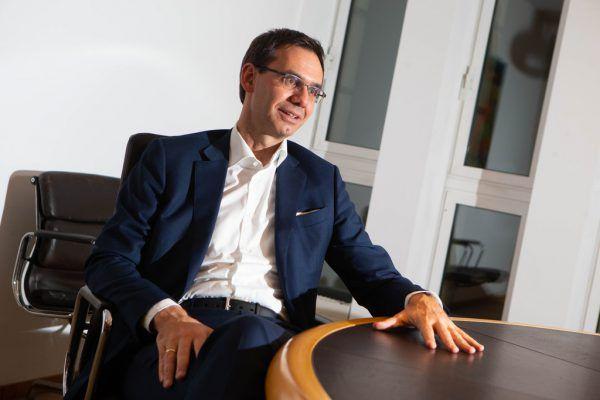 Markus Wallner blickt auf ein schwieriges Jahr zurück, hofft aber, dass sich die Situation durch die Impfung normalisiert.Hartinger (4)