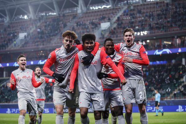 Salzburg kann im direkten Duell mit Atletico Madrid sogar den Verbleib in der Champions League fixieren. gepa