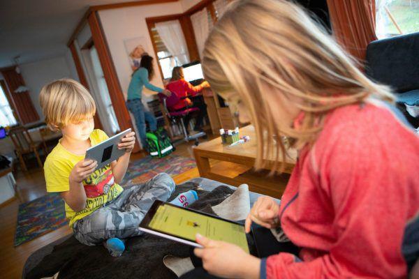Schulkinder zu Hause zu unterrichten, ist eine große Herausforderung.Hartinger