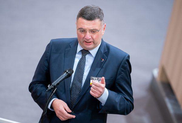 SPÖ-Vizeklubchef Jörg Leichtfried fordert mehr Zusammenarbeit.apa