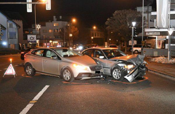 Unfall an Kreuzung.Polizei Lichtenstein