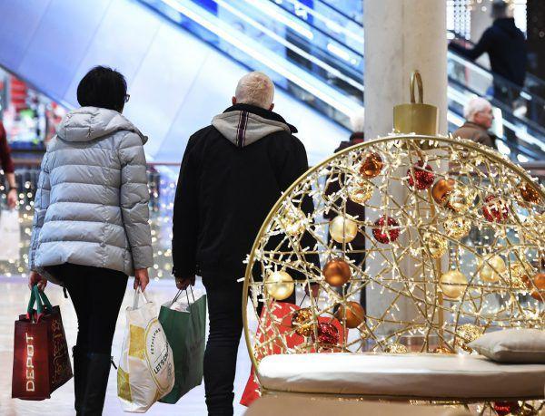 Unliebsame Geschenke werden nach Weihnachten oft zurückgegeben oder umgetauscht. Ein generelles Recht auf Rückgabe oder Umtausch gibt es im stationären Handel aber nicht.APA