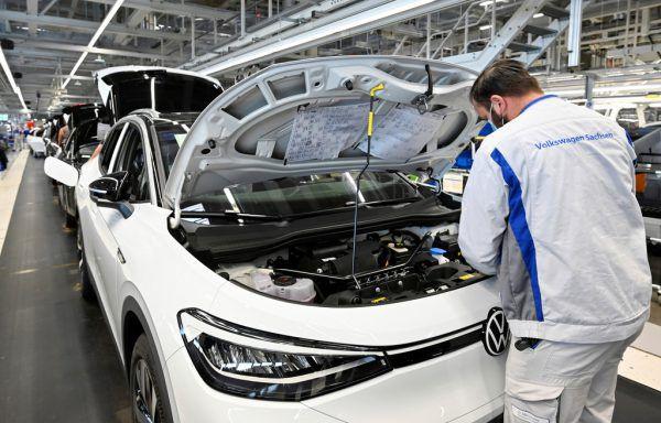Volkswagen fürchtet wegen der Chip-Engpässe Produktionsunterbrechungen in der chinesischen Automobilindustrie.REUTERS