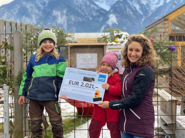 """2021 Euro sammelten Fynn und seine Familie für """"Netz für Kinder"""".Privat"""