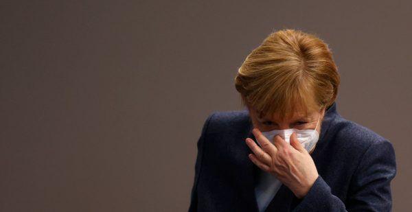 Angela Merkel (66, CDU) teigte sich in der Sitzung des CDU-Spitzengremiums offenbar besorgt.AFP