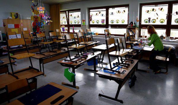 Auch die Schulen bleiben bis mindestens 7. Februar geschlossen.APA/SCHNEIDER (1); Hartinger (7),