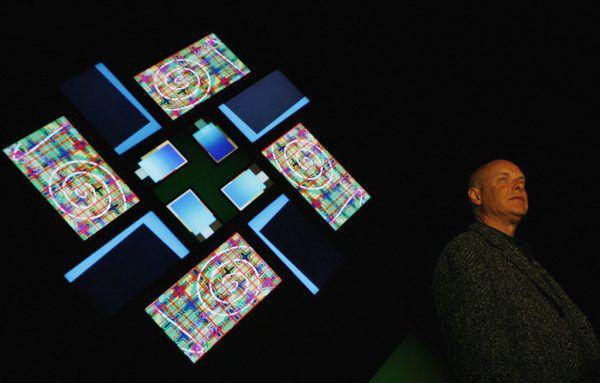 """Brian Eno mit seiner Installation """"77 Million Paintings"""". Im März soll der Sound-Künstler nach Österreich kommen. Reuters"""