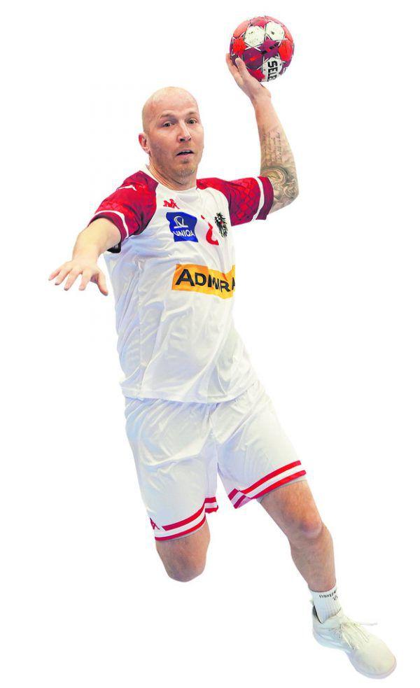 Der 35-jährige Harder verfügt über die meisten Einsätze im österreichischen Nationalteam. Trainer Ales Pajovic überzeugte ihn vom Weitermachen. gepa, reuters