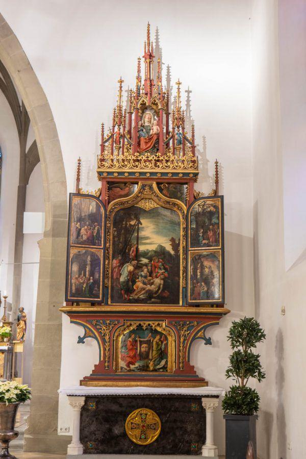 """Der Annenaltar im Feldkircher Dom. Auf dem kleinen Bild das berühmte """"Schweißtuch Christi"""" an der Predella des Altars.Klaus Hartinger (2)"""