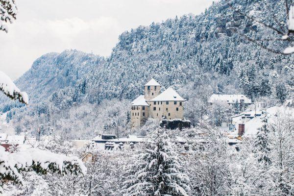 Die Schattenburg thront über der Stadt Feldkirch.Türtscher, Glück