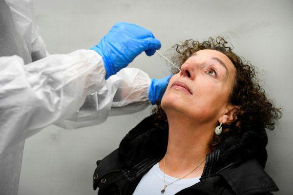In Vorarlberg besteht nach PCR-Tests bei fünf Proben der Verdacht auf die Virus-Mutation aus Großbritannien. Symbolbild/Reuters