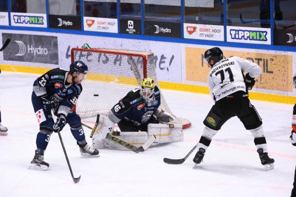 Kevin Macierzynski erzielte das 0:1 und berteitete den zweiten Treffer artistisch vor.©Soós Attila (Hydro Fehérvár AV19)