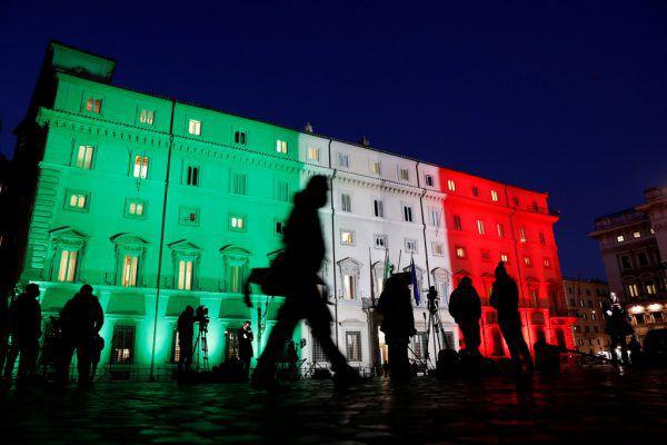 Nach dem Zerbrechen der Regierungskoalition in Italien steht das Land mitten in der Corona-Pandemie vor einer weiteren Krise. reuters