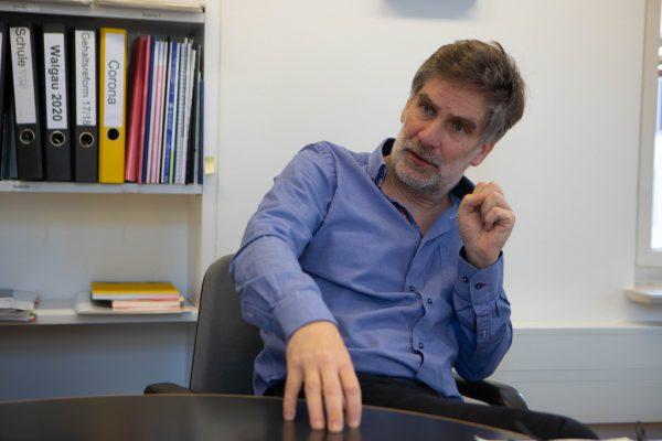 Nußbaummüller beim Gespräch in seinem Büro. Kaus Hartinger (3)