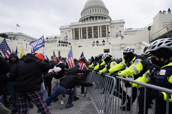 Randalierer stürmten das Kongressgebäude.AP