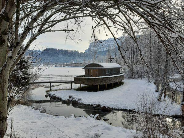 Rechts: Kapelle zum Wilbinger seit 1995 eingerahmt von stiller Natur.Hertha Glück (3)