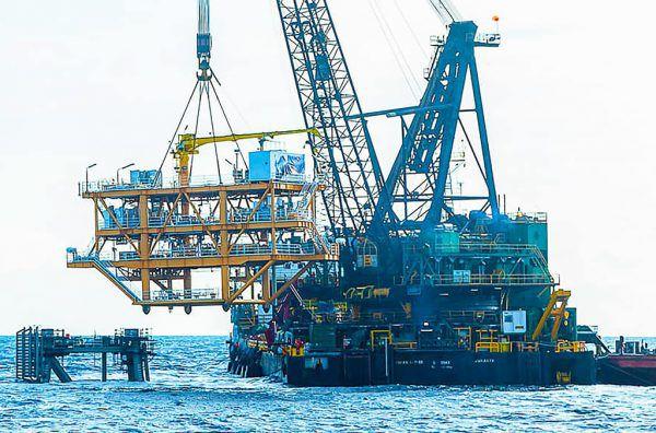 Vor der Küste Kambodschas wird nun Öl gefördert. AFP/Handout