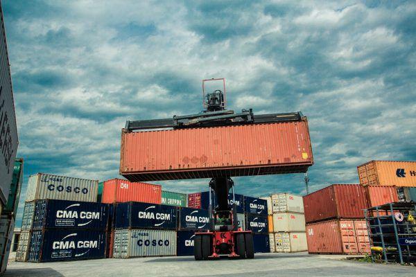 Waren im Wert von fast fünf Milliarden Euro wurden im ersten Halbjahr 2020 exportiert.Philipp Steurer, VLK