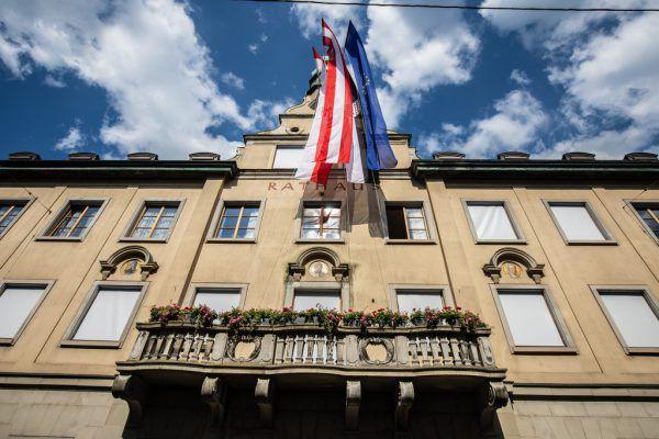 Wer im Rathaus den Posten des Stadtamtsdirektors bekleiden wird, wird sich in den kommenden Wochen zeigen. Hartinger