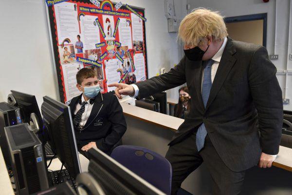 Boris Johnson beim gestrigen Medientermin.AP
