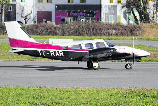 Das Kleinflugzeug des Typs Piper PA-34-200T Seneca II befand sich auf dem Landeanflug auf den Flughafen St. Gallen-Altenrhein und stürzte vor Staad in den Bodensee.facebook/Defenze