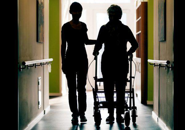 Das Schätzen alter Menschen sei ausschlaggebend für die Zukunft der Gesellschaft. APA/dpa/Berg