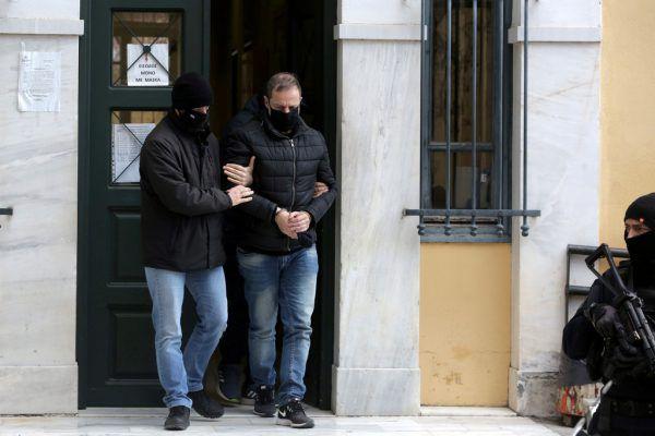 Der Ex-Theaterleiter beim Verlassen des Gerichts. Reuters