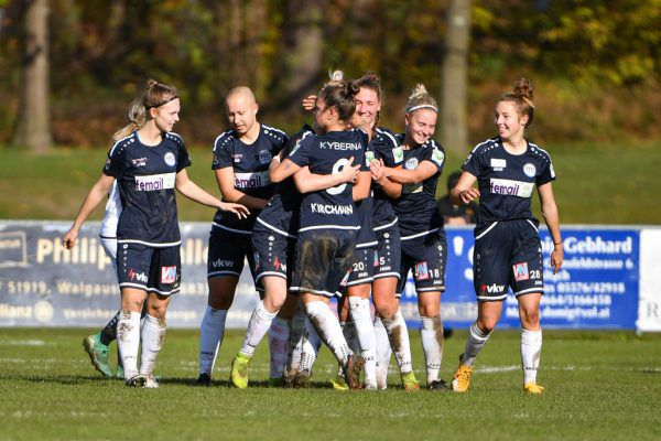 Die Damen des FFC Vorderland werden ab der kommenden Spielzeit in Altach-Dressen auflaufen. gepa/lerch
