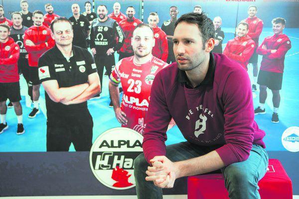Dominik Schmid beim Sport-Talk in der Sporthalle am See in Hard, bei dem der zweite Teil live aufFacebook übertragen wurde.Klaus Hartinger