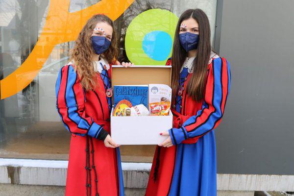 Ein Faschingspaket wurde von der Riebelzunft Frastanz in Zusammenarbeit mit der Gemeinde an die Senioren verteilt.Riebelzunft Frastanz (3)