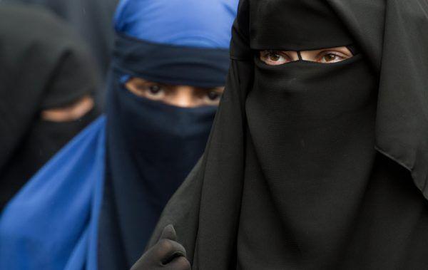 Ein Verbot der Burka untergrabe die religiöse Toleranz und fördere Polarisierung. Symbolbild/dpa