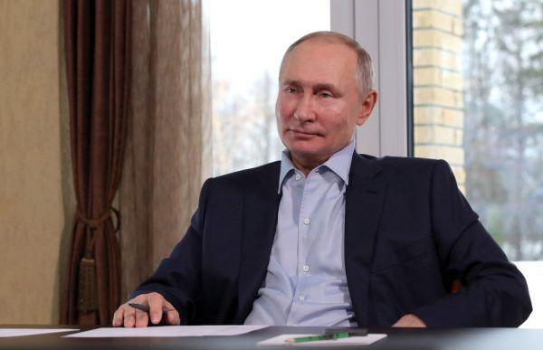 Einige Russen berichten, ohne ihr Wissen für Putin-Propaganda benutzt worden zu sein.Symbolbild/AFP